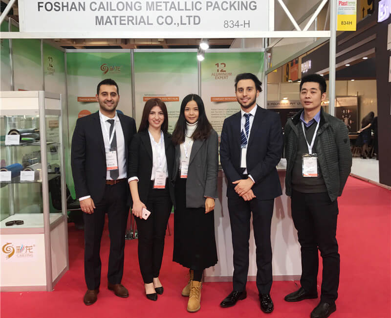 facile synthesis of high strength hot-water wood extract films with oxygen-barrier performance  -  barrier films for food packaging